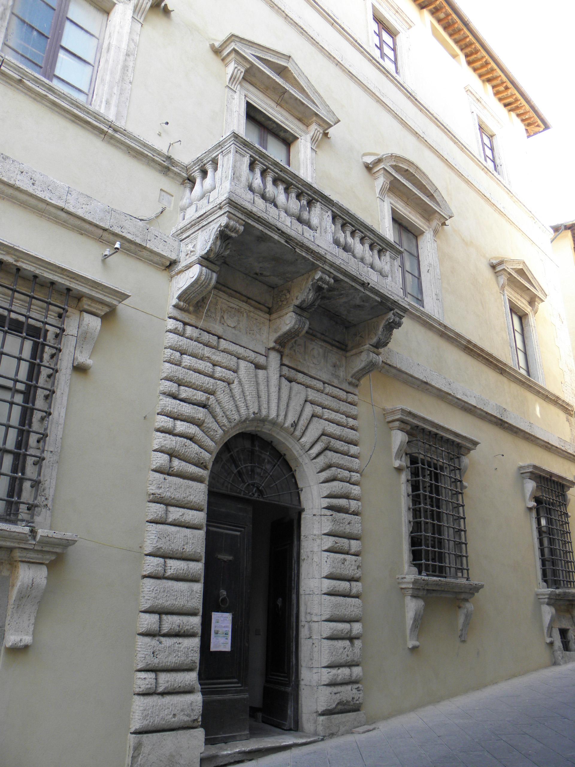 Bilocale Montepulciano Corso Voltaia 1