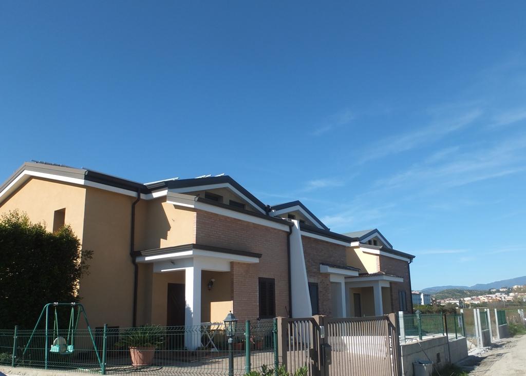 Villa vendita SELLIA MARINA (CZ) - 4 LOCALI - 120 MQ
