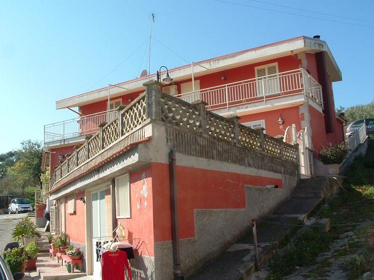Villa vendita SELLIA MARINA (CZ) - 7 LOCALI - 260 MQ