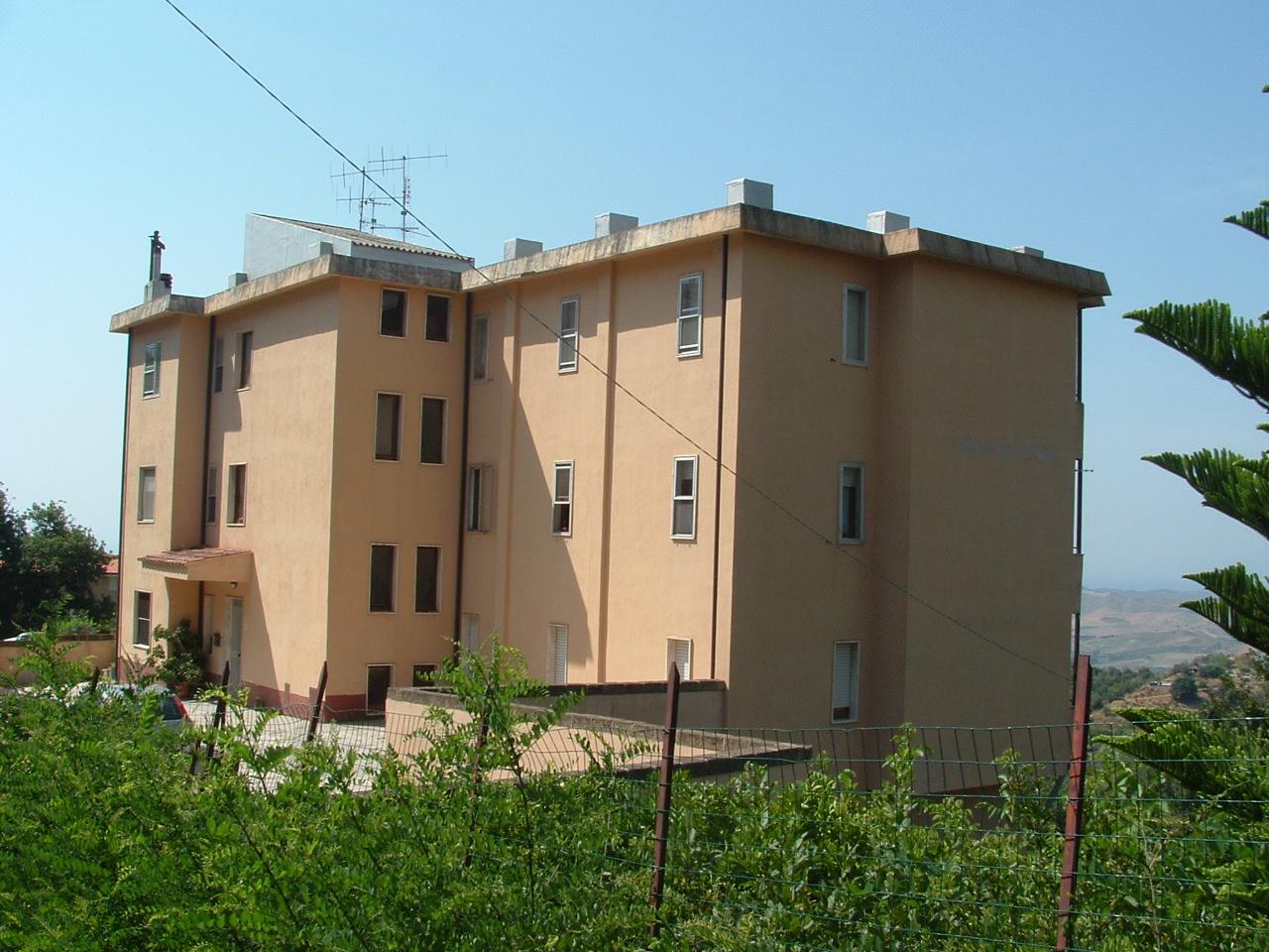 Appartamento vendita SOVERIA SIMERI (CZ) - 5 LOCALI - 190 MQ