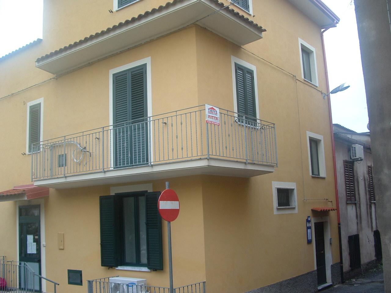 Appartamento affitto Sellia Marina (CZ) - 3 LOCALI - 80 MQ