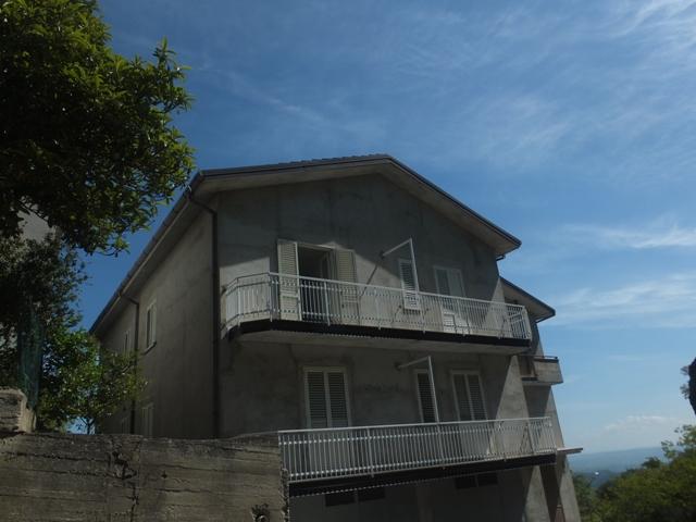 Appartamento vendita BELCASTRO (CZ) - 5 LOCALI - 140 MQ
