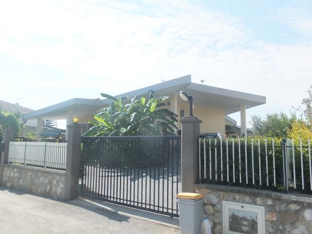 Villa vendita SIMERI CRICHI (CZ) - 7 LOCALI - 200 MQ