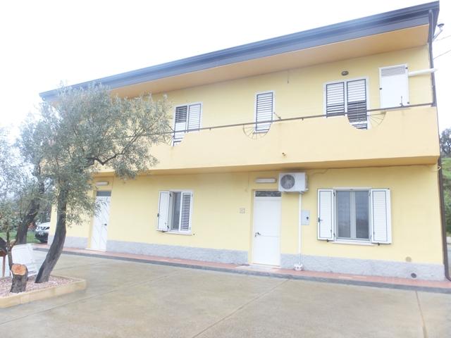 Appartamento vendita SIMERI CRICHI (CZ) - 5 LOCALI - 150 MQ