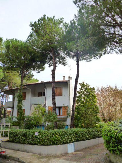 Villa vendita CERVIA (RA) - OLTRE 6 LOCALI - 300 MQ - foto 1