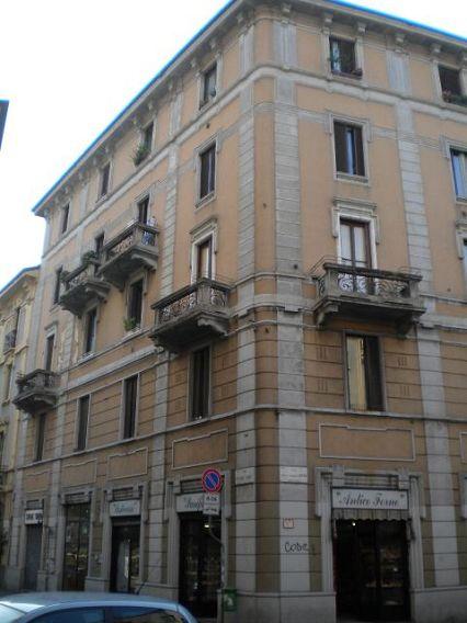 Bilocale Milano Via Popoli Uniti 9