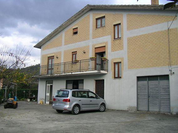 Villa vendita MANOCALZATI (AV) - OLTRE 6 LOCALI - 350 MQ - foto 4