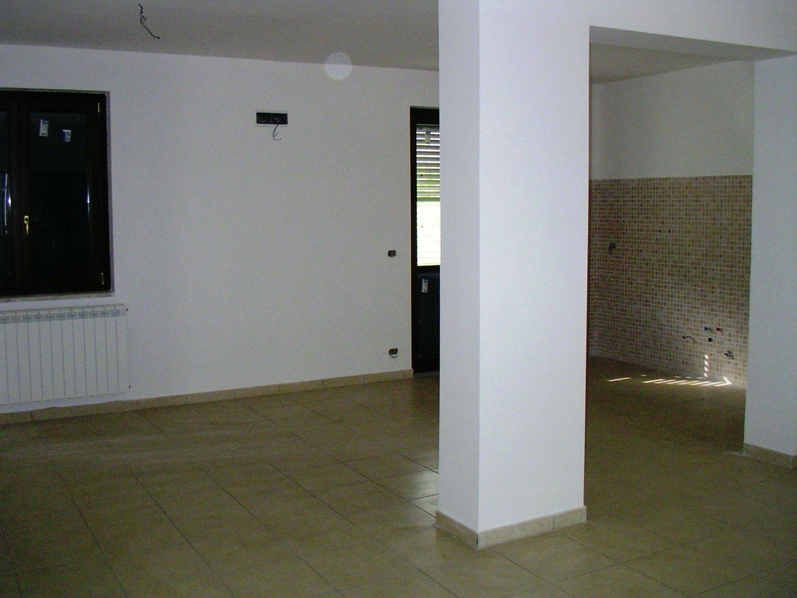 Appartamento vendita CHIUSANO DI SAN DOMENICO (AV) - 4 LOCALI - 132 MQ - foto 2