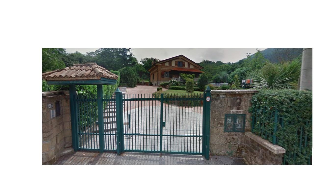 Villa vendita AVELLINO (AV) - 7 LOCALI - 330 MQ
