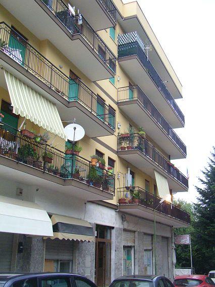 Appartamento affitto AVELLINO (AV) - 3 LOCALI - 90 MQ